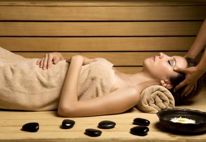 È importanteberemoltaacqua prima, dopo e durante la sauna e la palestra.